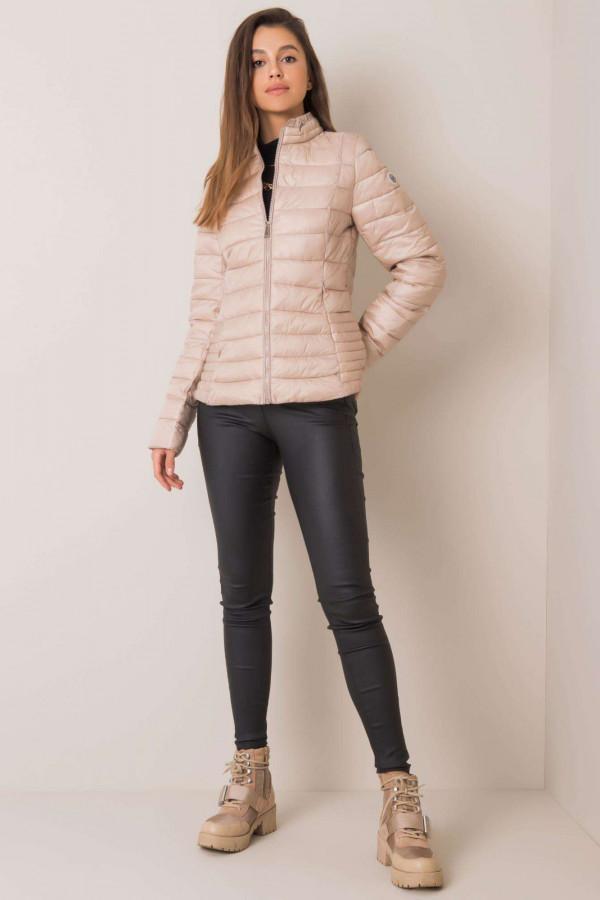 Beżowa pikowana kurtka na zimę Justine 3