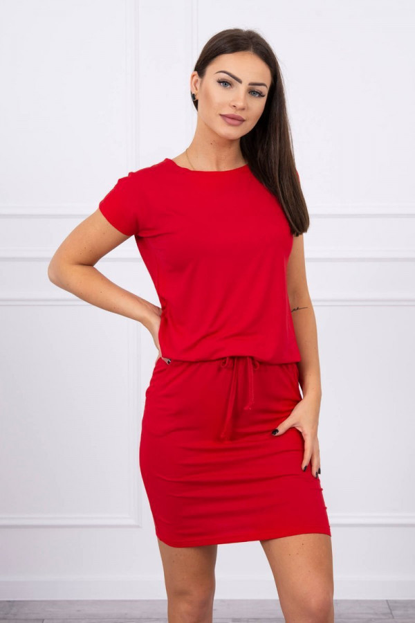 Sukienka wiązana w talii czerwona
