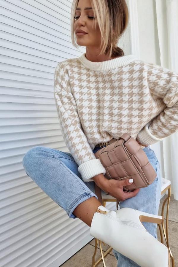 Sweterek w pepitkę
