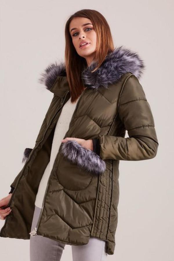 Zimowa kurtka z futrzanym wykończeniem khaki 2