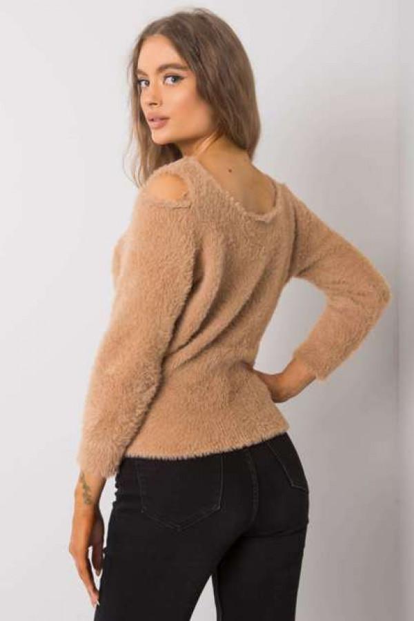 Camelowy sweter z wycięciami Leandre 2