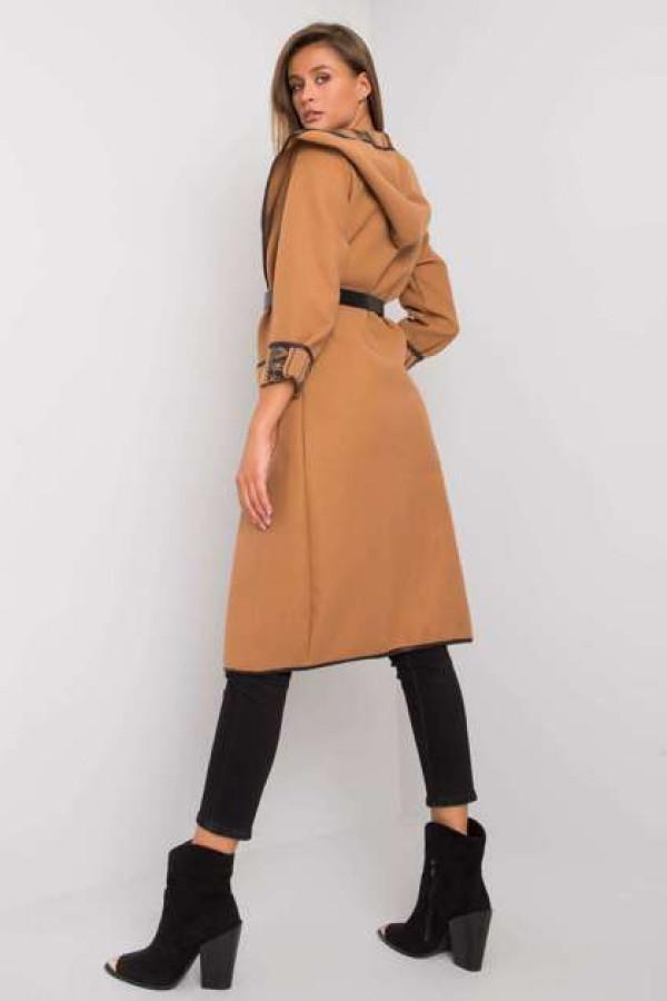 Camelowy płaszcz z kapturem Hannele 3
