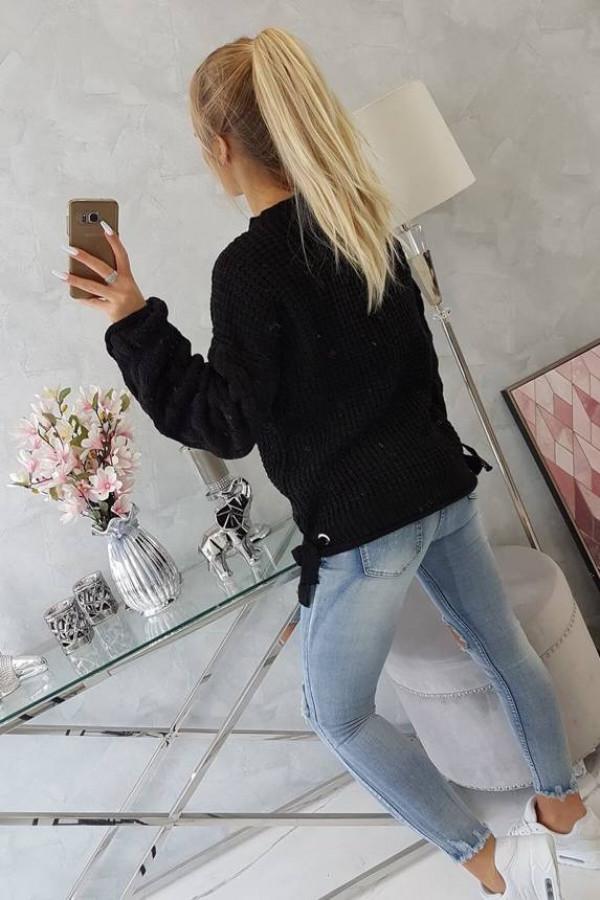 Sweter wiązany u dołu czarny 1